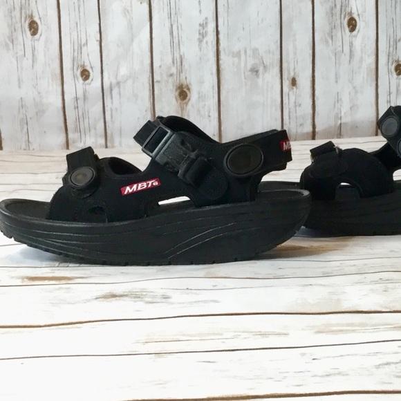 2499992202ef MBT Walking Sandals. M 5b143e503e0caa34c218f399